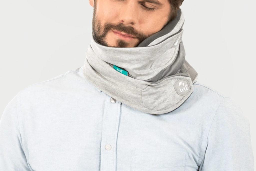 almohada de viaje ajustable trtl pillow plus