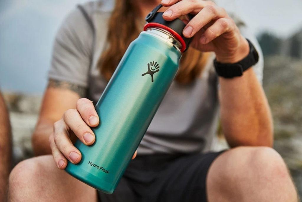 botella de agua hydro flask lightweight wide mouth trail series azul
