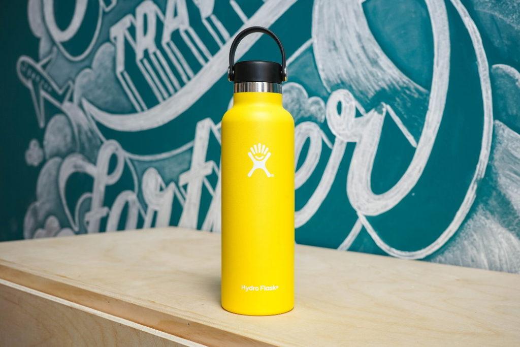 botella hydro flask standard mouth 18 oz amarilla