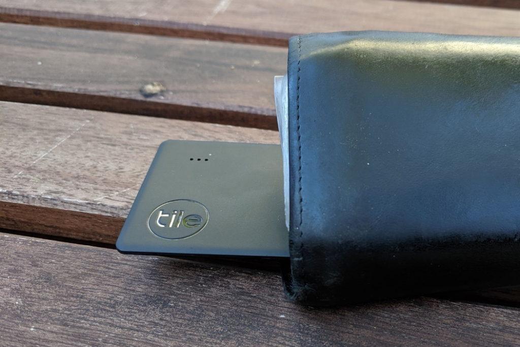 buscador de artículos Tile Slim en cartera