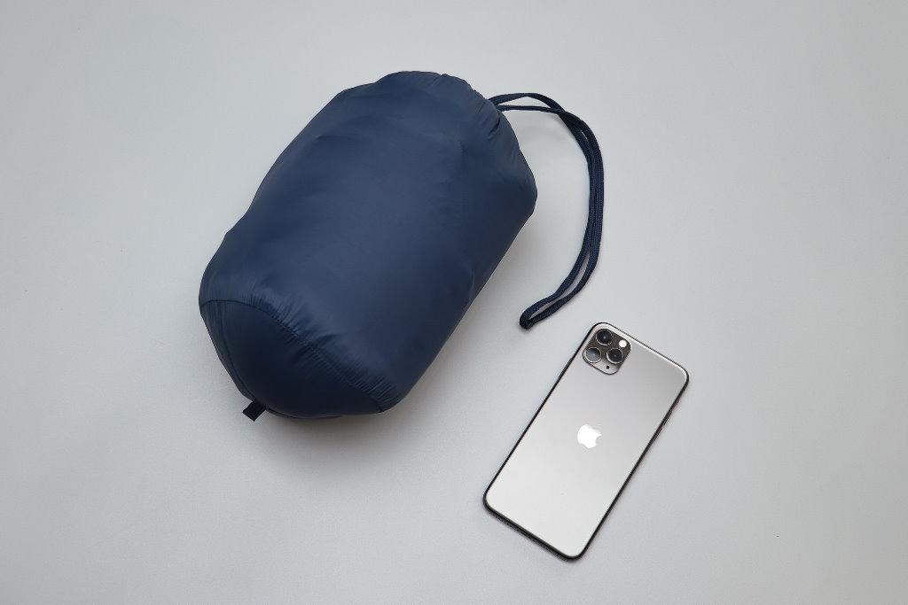 chaqueta plegable y resistente al agua amazon essentials comprimible