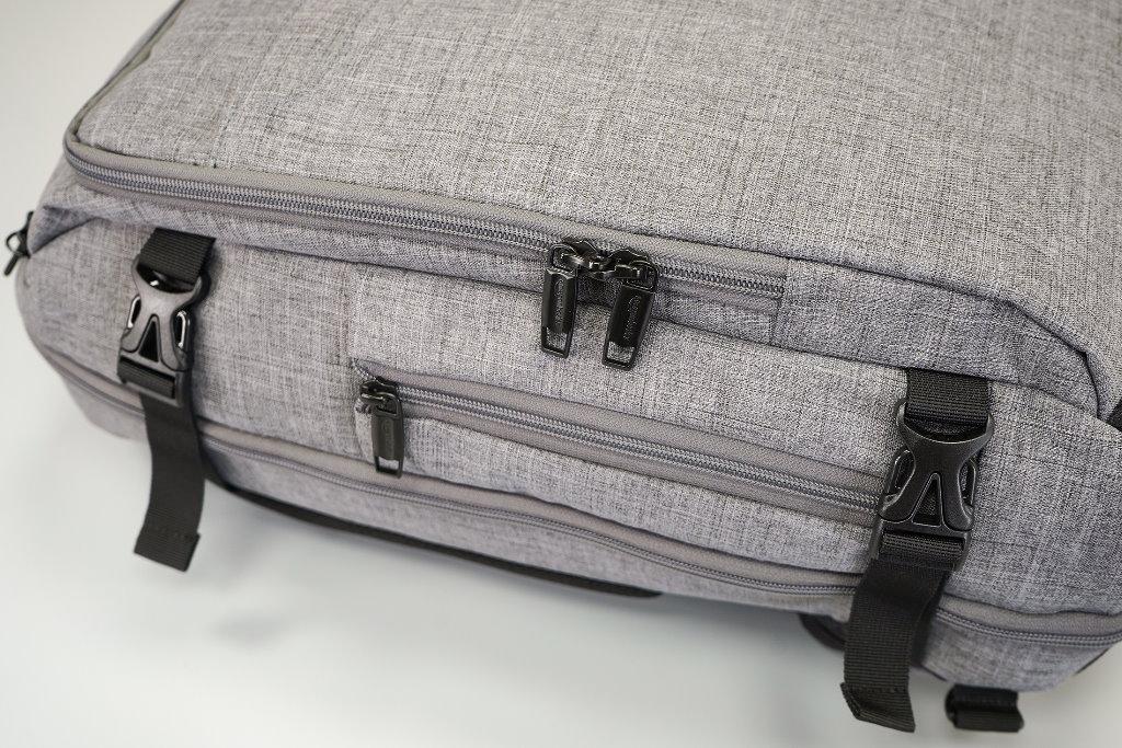 mochila de viaje amazonbasics perfil
