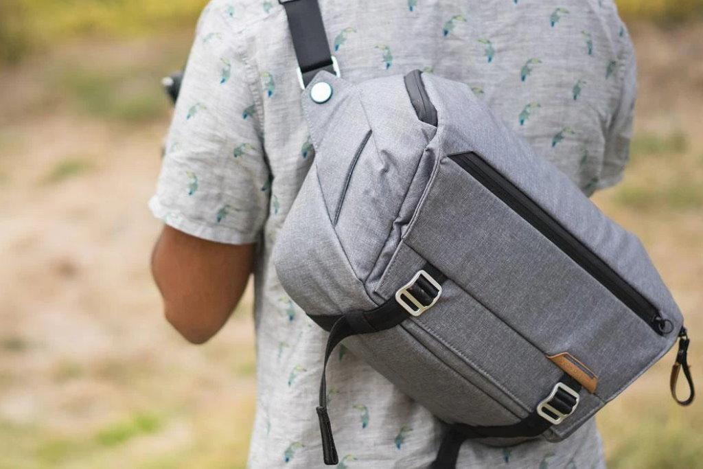 peak design everyday sling 10l v2 gris