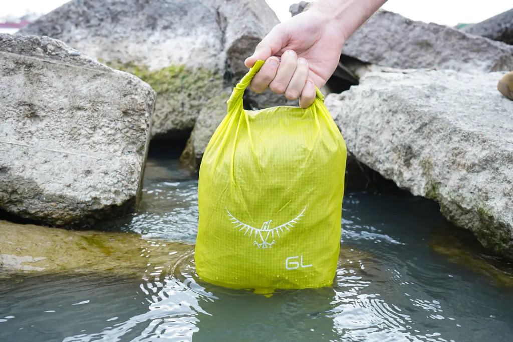 bolsa impermeable osprey ultralight dry sack 6L viaje