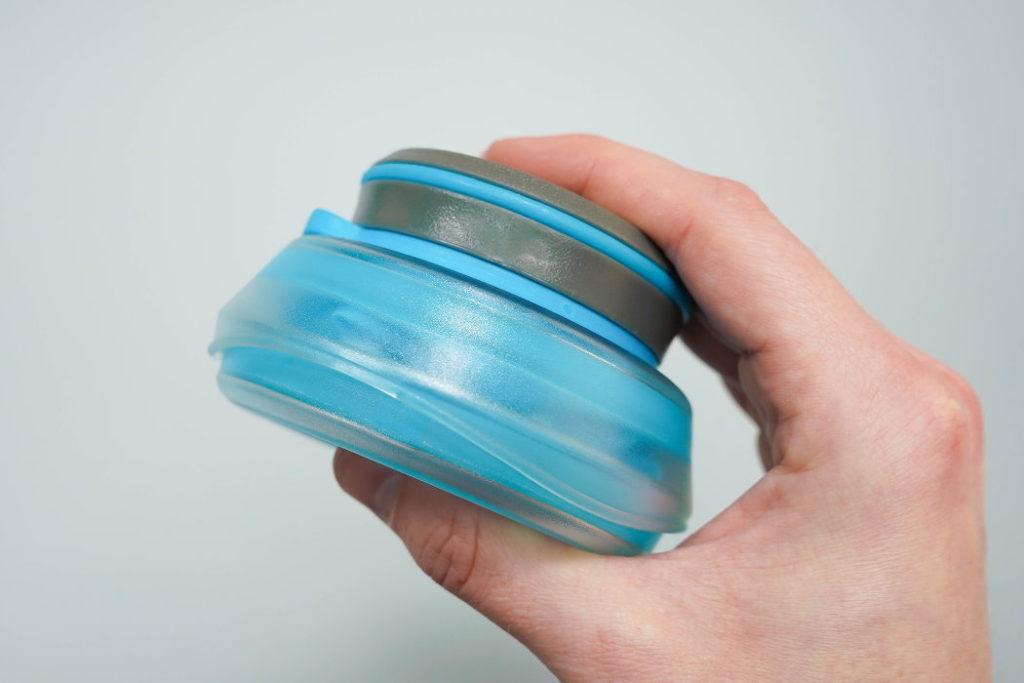 botella de agua plegable hydrapak stash 1l comprimida
