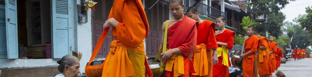 Tak Bat Luang Prabang Laos